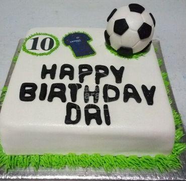 Fondant Cake with Football HM122