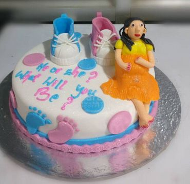 Fondant Vanilla Cake with Shoes and Woman on top BS102