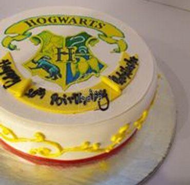 Hogwarts Theme Cake HM287