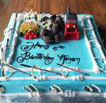 Blue Colored Cream Cake with Excavator HM291