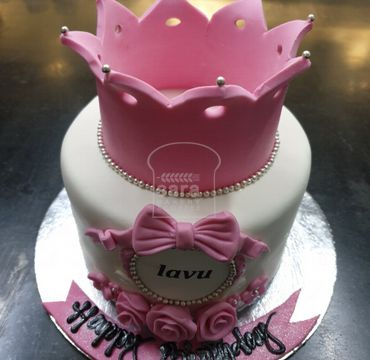 Fondant Crown Theme Cake HR027