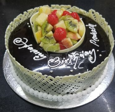 Chocolate Cake with fruits topping RG117