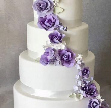 Four Tier Vanilla Fondant Cake EA124
