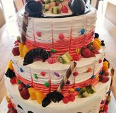 Tripple Decker Cake with Fruits EA131