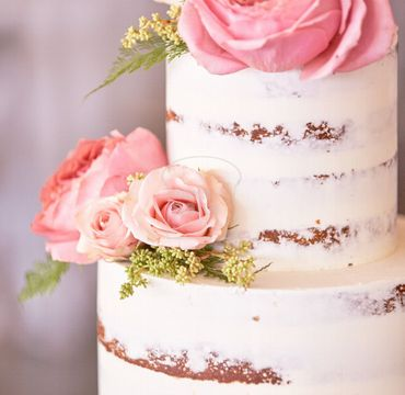 Two Tier Naked Cake with Flowers EA148