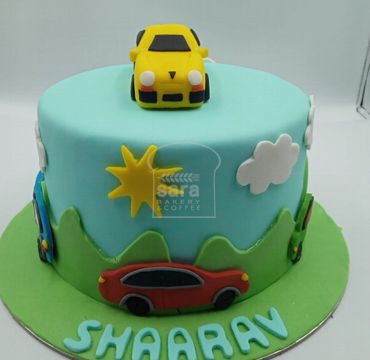 Fondant Cake with Car HM298