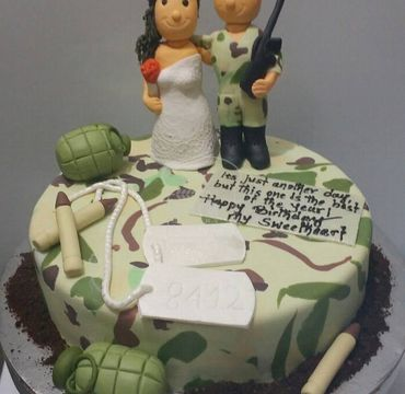 Army Couple Cake HM305